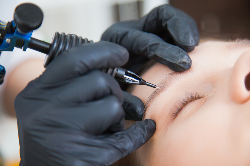 Who offers microblading in Orlando?